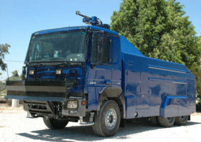9,000 L Capacity on Single Cab MB Chassis