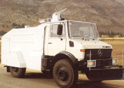 3,500 L Capacity on Single Cab MB Unimog Chassis
